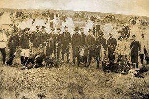 Foto antiga dos combatentes do Cerco da Lapa, 1894.