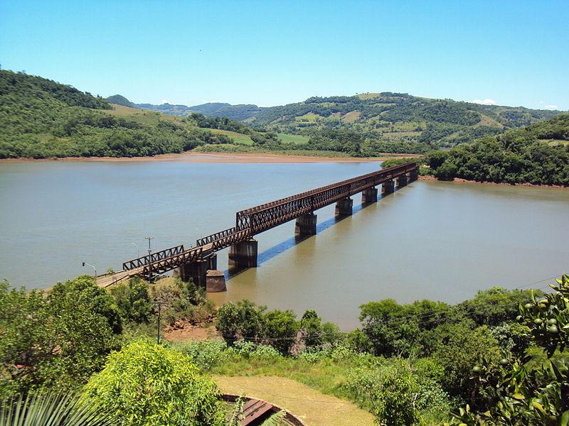 800px-Ponte_Ferroviária_Marcelino_Ramos_27112011