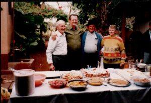 Leo Anselmo, com irmãos Affonso Roque e João Armando, tendo ao lado Maria.