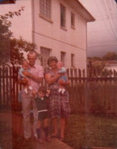 Vovô Anselmo e Vovó Maria com os netos