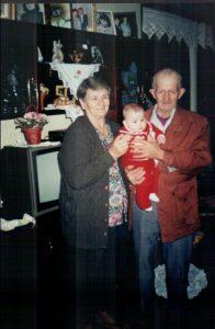 Vovô e vovó com netinho