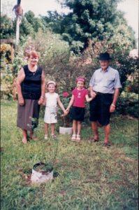 Leo Anselmo, Maria e netas Simone e Isabel.