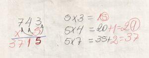 Multiplicação com fatores de vários algarismos 6
