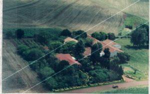 Vista aérea da propriedade, pela frente, parte sul.